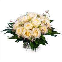 12 Short-stemmed White Roses