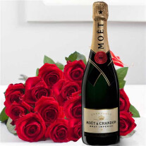 15 roses added to Moet & Chandon